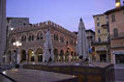 Casa Dei Mercanti - Verona, Foto di Lo Scaligero