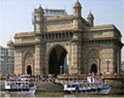 Gateway of India, Mumbai, by Rhaessner