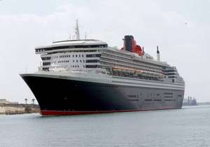 Queen Mary II ship Crosses Suez Canal
