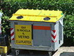 Cassonetto per la raccolta dei rifiuti di vetro