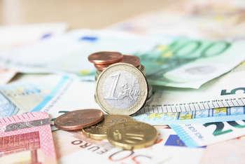 Euro - Photo credit: Christoph Scholz via Foter.com / CC BY-SA