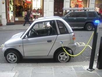 Auto elettrica - Photo credit: frankh via Foter.com / CC BY