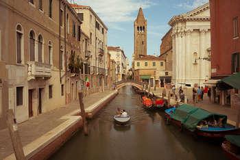 Area Crisi Venezia - Photo by daniel.chodusov on Foter.com / CC BY