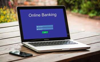Mobile banking - Photo credit: Foto di Tumisu da Pixabay