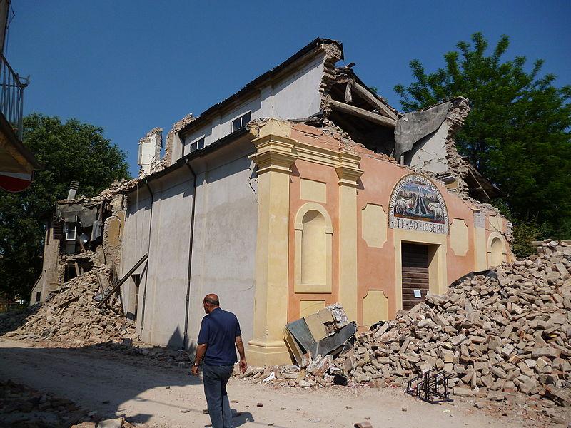 Ordinanze ricostruzione sisma: Photocredit Mimmo Ferrari - Wikipedia