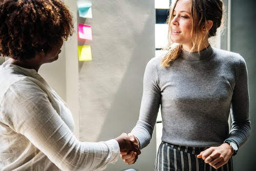 Unioncamere contratti diplomati e laureati
