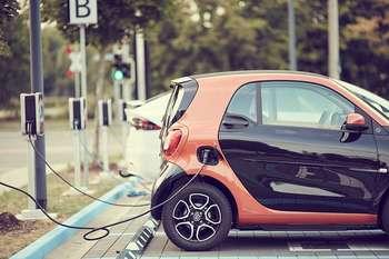 Auto elettriche - Foto di andreas160578 da Pixabay