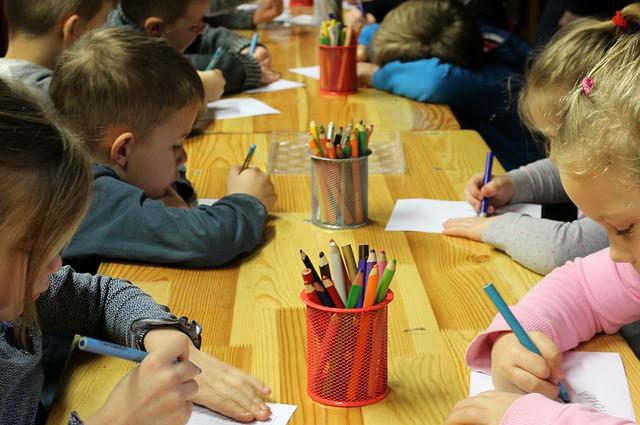 Edilizia scolastica - Foto di _Alicja_ da Pixabay
