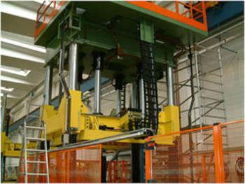 Pressa meccanica idraulica - foto di Galbiati Group